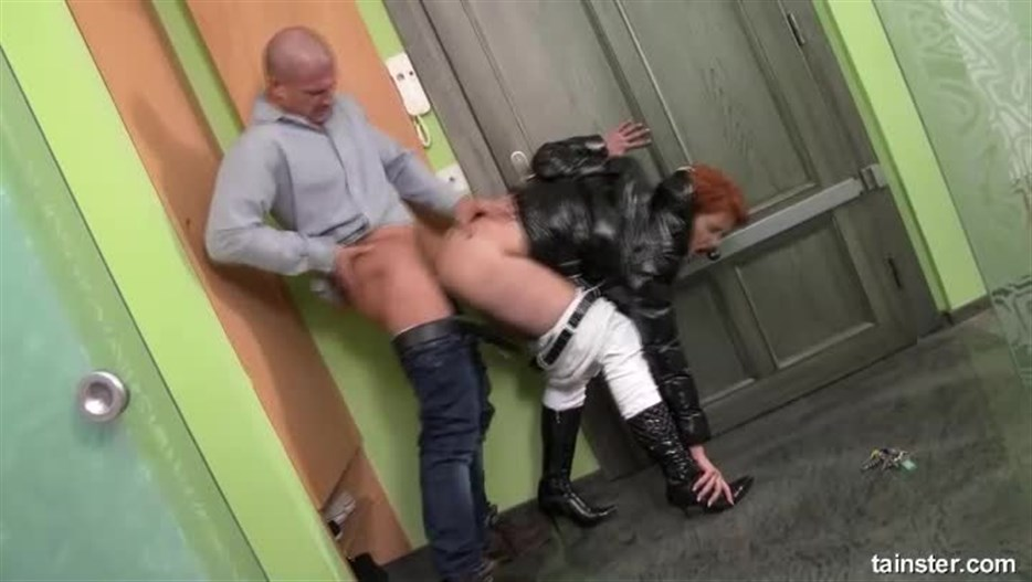 Pissing In Action – 185 – Street Blowjob